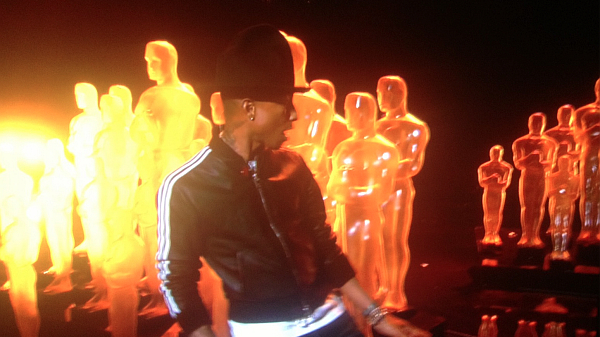 "Oscars 2014: Watch Pharrell Williams Perform ""Happy"" At ..."