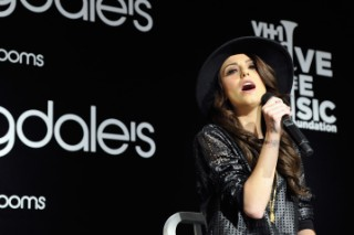 "Cher Lloyd's ""Sirens"": Hear The Lead Single From 'Sorry I'm Late'"