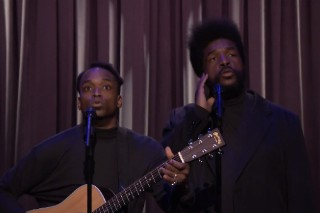 "Lorde's ""Royals"" Covered By Black Simon & Garfunkel On 'Fallon': Watch"