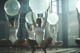 "Kylie Minogue's ""Sexercize"" Video: Watch Her Stretch, Arch, Bounce & Grind On Another Woman"