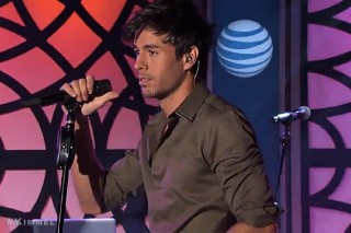 "Enrique Iglesias Performs ""I'm A Freak"" On 'Jimmy Kimmel Live': Watch"