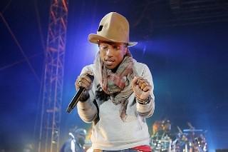 Coachella 2014: Pharrell Brings Out