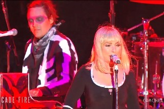 "Coachella 2014: Blondie's Debbie Harry Joins Arcade Fire For ""Heart Of Glass"": Watch"