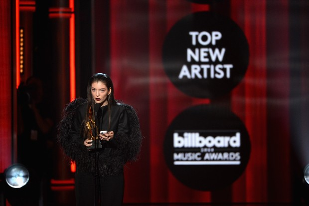 lorde billboard music awards