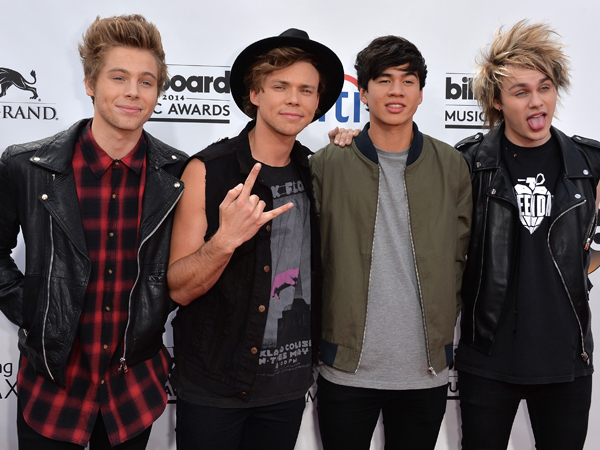 5SOS Heads To The 2014 VMAs