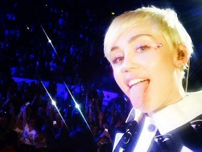 Miley Cyrus Covers The Smiths At Belfast Concert: Watch