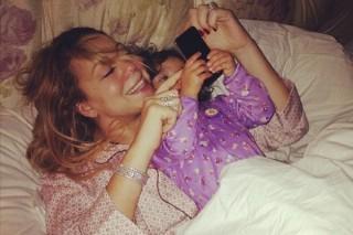 "Watch Mariah Carey's Adorable Daughter Sing Along To 'Elusive Chanteuse' Track ""Supernatural"""