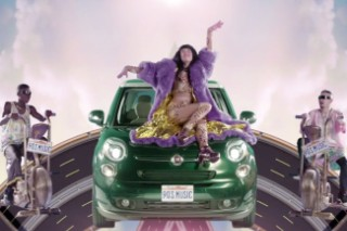 "Kimbra Premieres Her Video For ""90s Music"": Watch"