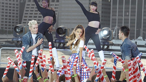 """Ariana Grande Performs """"Problem"""" And """"The Way"""" At Macy's 4th Of July Fireworks Spectacular"""