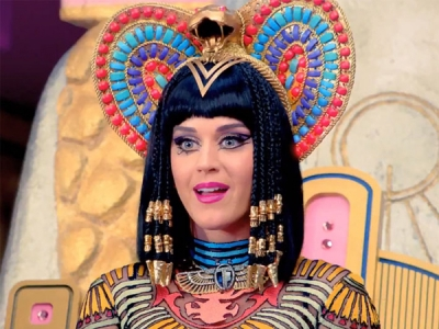 """Katy Perry's """"Dark Horse"""" Is The Most-Watched Music Video Of 2014"""