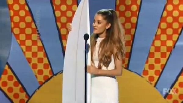 Teen Choice Awards 2014: Music Winners' List, Including Ariana Grande, Ed Sheeran & Demi Lovato
