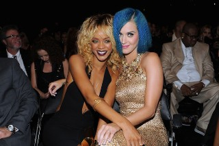Katy Perry, Rihanna Or Coldplay To Play 2015 Super Bowl Halftime Show (But They Might Have To Pay)