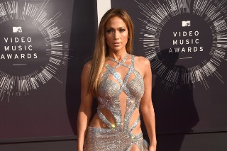 MTV VMAs 2014: Jennifer Lopez Is A Vision Of Timeless Perfection