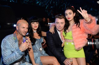 MTV Video Music Awards 2014: Review Revue