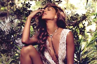 "Nicole Scherzinger Premieres New Single, ""On The Rocks"": Listen"