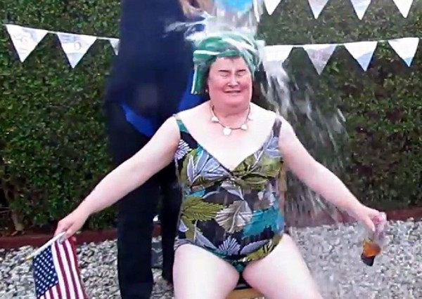 susan-boyle-swimsuit