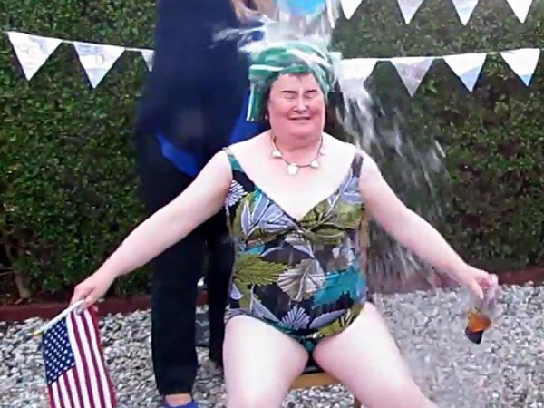 http://static.idolator.com/uploads/2014/09/08/susan-boyle-swimsuit-600x450.jpg