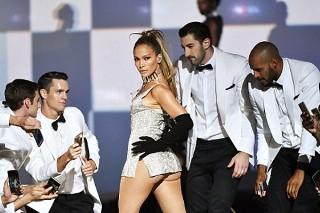 Is Jennifer Lopez Considering A Las Vegas Residency? (Update: Yes!)
