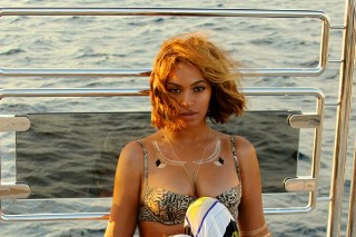 Beyonce's Bikini Game Remains ***Flawless: See The Latest Sexy Snaps From Her French Vacation