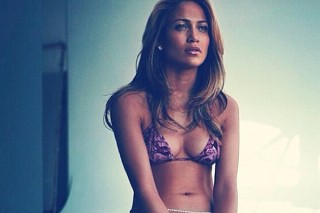 Jennifer Lopez Is Still Flaunting Her Flawless Bikini Body In Late October. Because She Can.