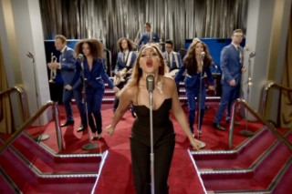 """Jessica Mauboy Channels Beyonce In """"Love On Top""""-Tributing """"Can I Get A Moment?"""" Video: Watch"""