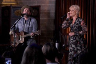 """Pink And Dallas Green (You + Me) Cover Sade's """"No Ordinary Love"""" & Perform Three New Songs At A Studio Show: Watch"""