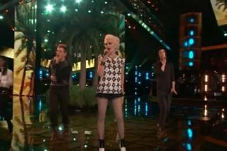 "'The Voice': Gwen Stefani & Her Team Sing Blondie's ""The Tide Is Hig"