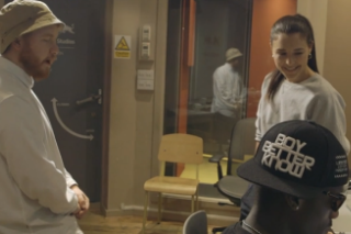 """Jessie Ware Hits The Studio With Preditah, Tokimonsta, Pional & More For """"Keep On Lying"""" Remix Sessions: Watch"""
