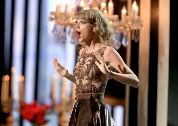 American Music Awards 2014: Watch All The Performances