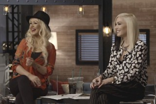 'The Voice': Christina Aguilera Returns To Mentor Team Gwen Stefani In Place Of Absent Meghan Trainor