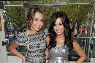 Demi Lovato & Miley Cyrus Are No Longer Friends: Morning Mix
