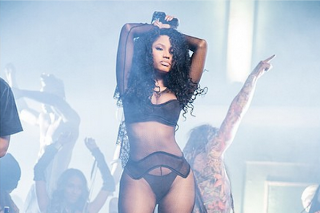 """Nicki Minaj Shows Off Her Body For The """"Only"""" Video Shoot: See All 7 Behind-The-Scenes Photos"""