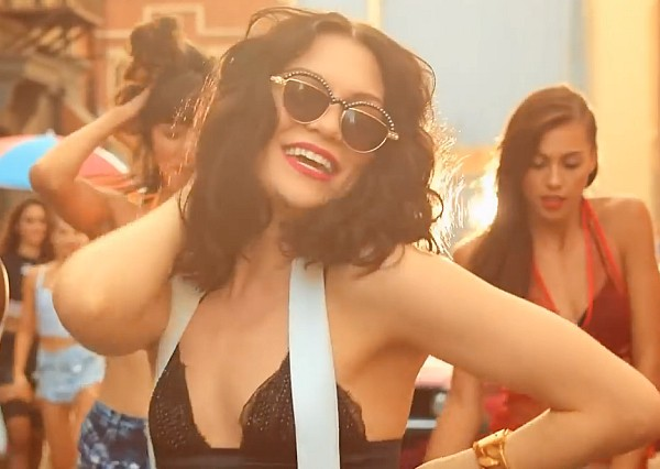 Jessie J Bang Bang music video