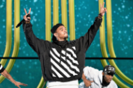 Soul Train Awards 2014: Chris Brown & Tinashe Perform, And Lil Kim, Missy Elliott & Da Brat Reunite