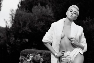 Miley Cyrus Is The Undisputed Queen Of Nudes: See The 18 Sexiest Pics She Posed For In 2014