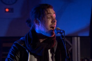 """Hozier Covers Ariana Grande's """"Problem"""" For BBC 'Live Lounge': You Have To Watch This"""