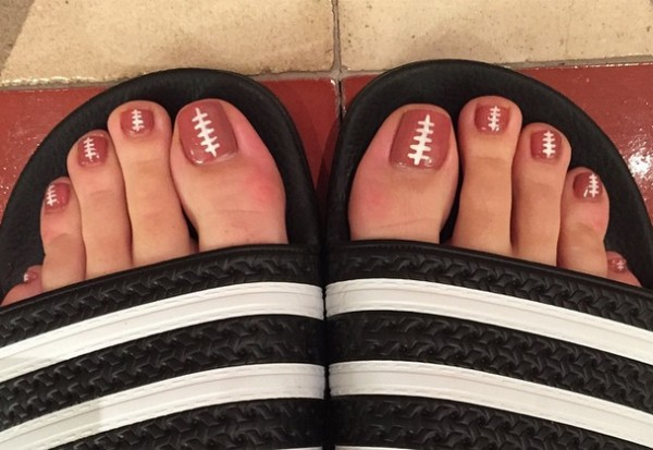 Katy Perry football super bowl toes toenails 2015 halftime show