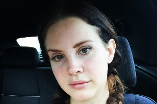 Lana Del Rey Gets Up Close And Personal In Instagram Selfies: 5 Pics