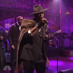 D'Angelo Performs On 'Saturday Night Live': Watch