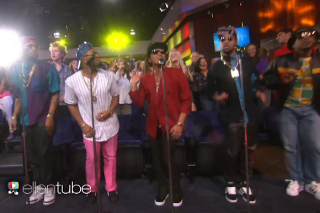 "Mark Ronson And Bruno Mars Perform ""Uptown Funk"" On 'The Ellen Show': Watch"