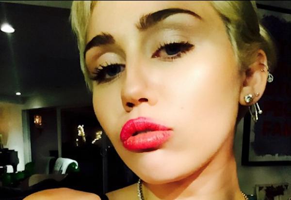 miley-cyrus-nude-boobs-instagram-bra