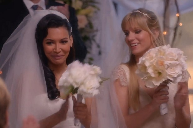 Glee Brittany Santana wedding married season 6 2015 Gloria Estefan