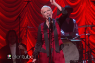"Annie Lennox Performs ""I Put A Spell On You"" On 'The Ellen DeGeneres Show': Watch"