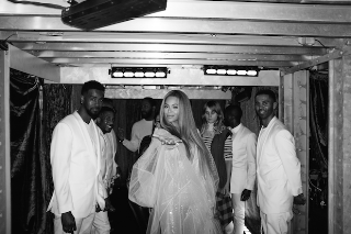 Beyonce Takes Us Behind The Scenes Of Her 2015 Grammy Performance: 10 Photos