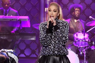 Gwen Stefani Performs Medley Of Hits On 'Tonight Show Starring Jimmy Fallon': Watch