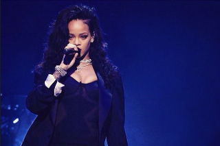 Rihanna Shares Super Bowl Concert Experience: See 21 Photos