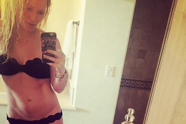 HIlary Duff sexy bikini selfie boobs nude naked porn