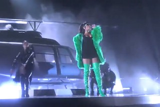 "Rihanna Performs ""Bitch Better Have My Money"" At iHeartRadio Music Awards: Watch"