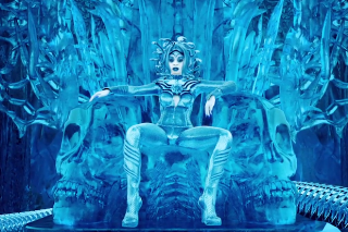 "Azealia Banks Is A Chilling Medusa In Her ""Ice Princess"" Video: Watch"