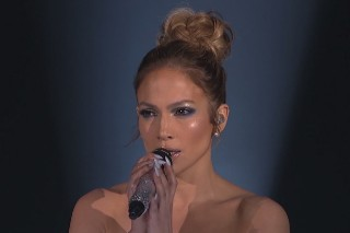 "Jennifer Lopez's ""Feel The Light"" Video And Breathtaking 'American Idol' Performance"